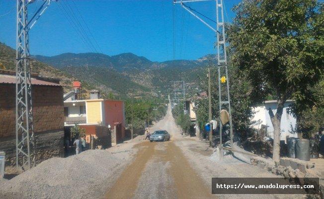 Türkoğlu mahallelerine yol çalışması