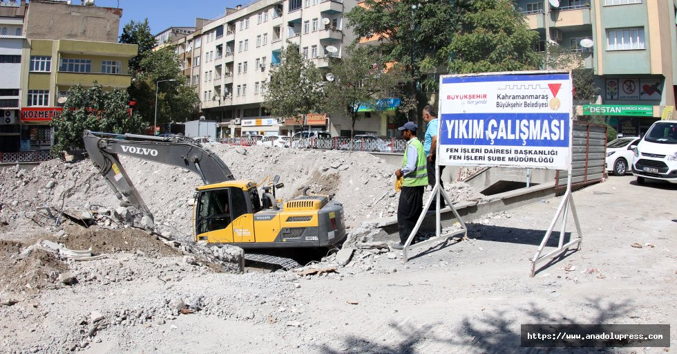 Eski Ssk binası yıkılıyor