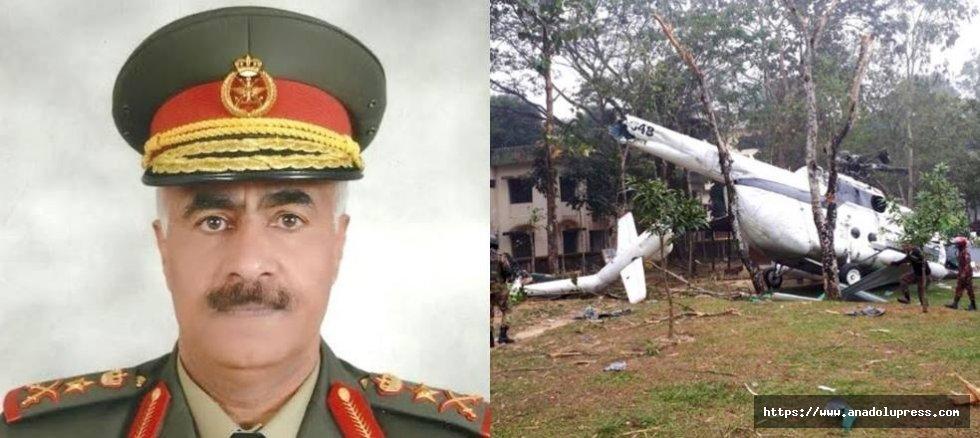 Genel kurmay başkanını taşıyan helikopter düştü!