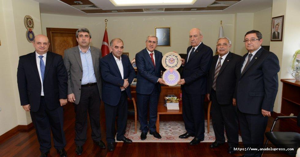 Kahramanmaraş Ticaret Borsası Yönetim Kurulu Üyeleri, Rektör Can'ı Ziyaret Etti