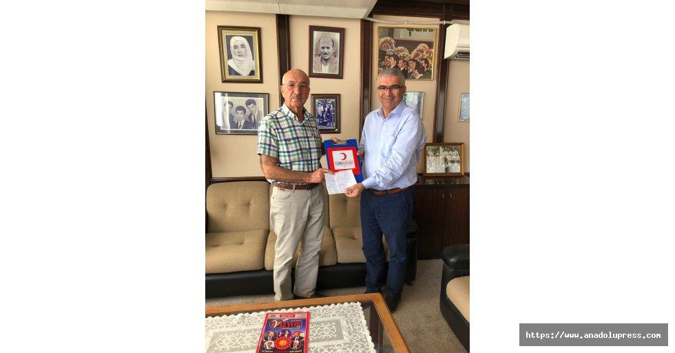 """""""Altın Madalyalı"""" bağışçıdan Kızılay'a destek"""