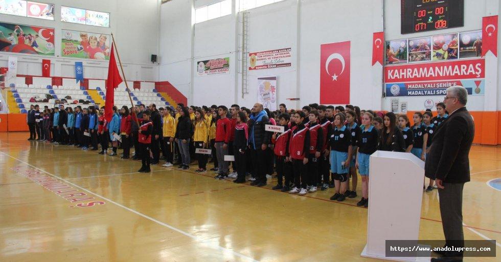Anadolu Yıldızlar Ligi Hentbol Akdeniz Grup Müsabakaları İlimizde Yapıldı