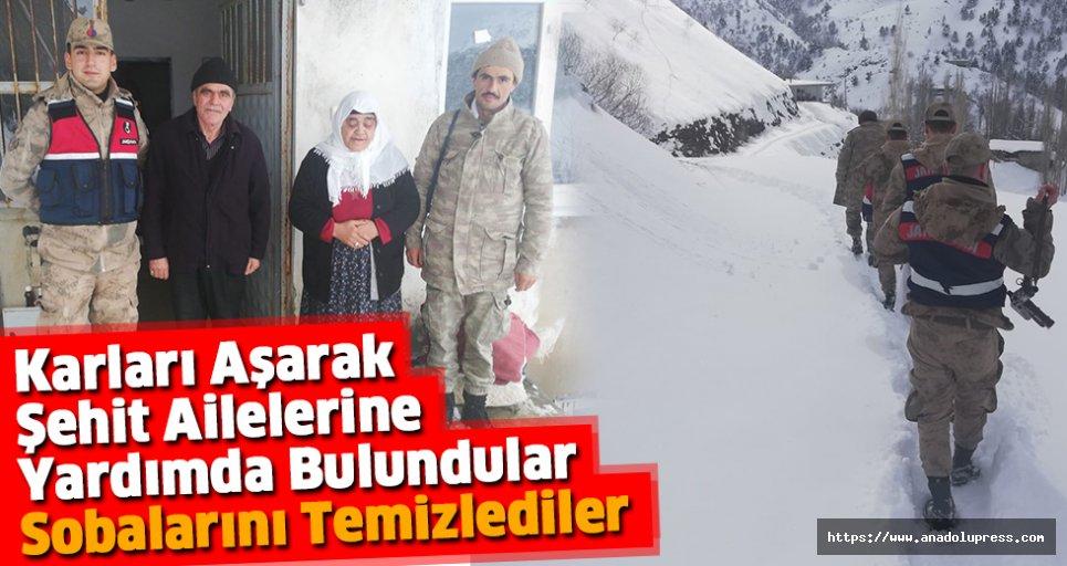 Karları Aşarak Şehit Ailelerine Yardımda Bulundular