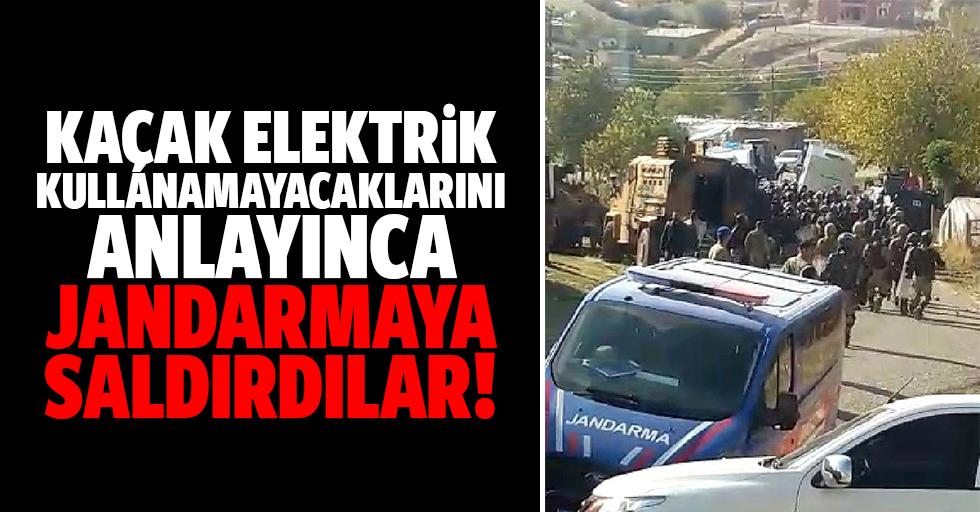 Kaçak elektrik kullanamayacaklarını anlayınca jandarmaya saldırdılar!