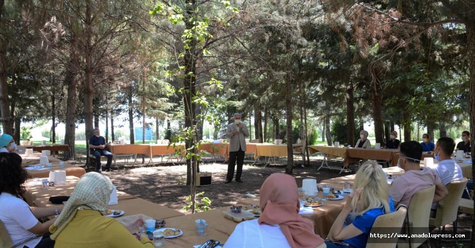 KSÜ'de iletişim semineri