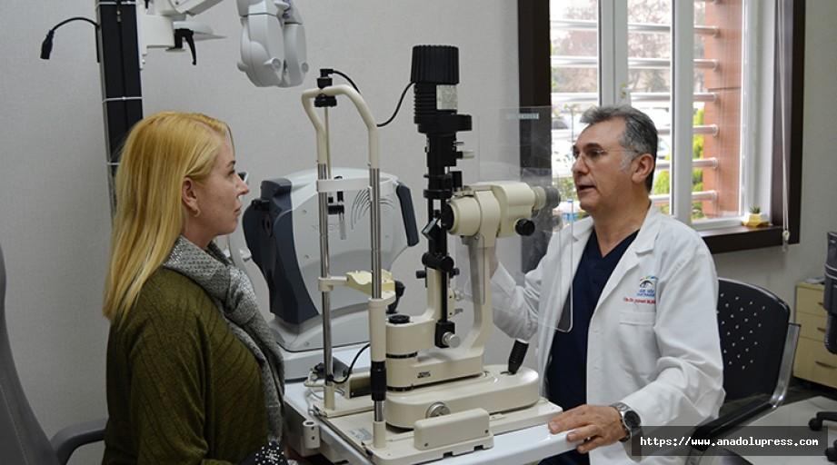 Ünlü Oyuncu Dereoğlu, Gözlerini Dr. Ahmet Metin Başkan'a Emanet Etti