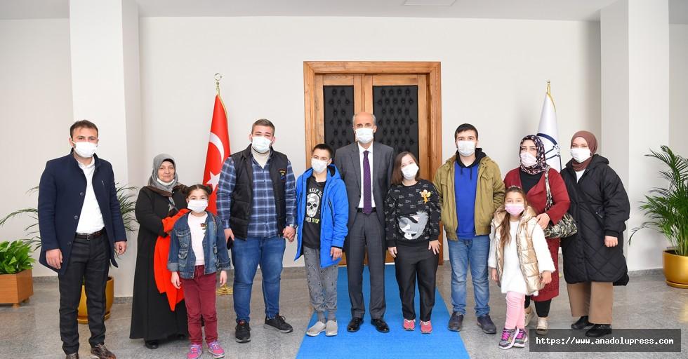 Down Sendromlu Çocuklardan Başkan Okay'a Ziyaret