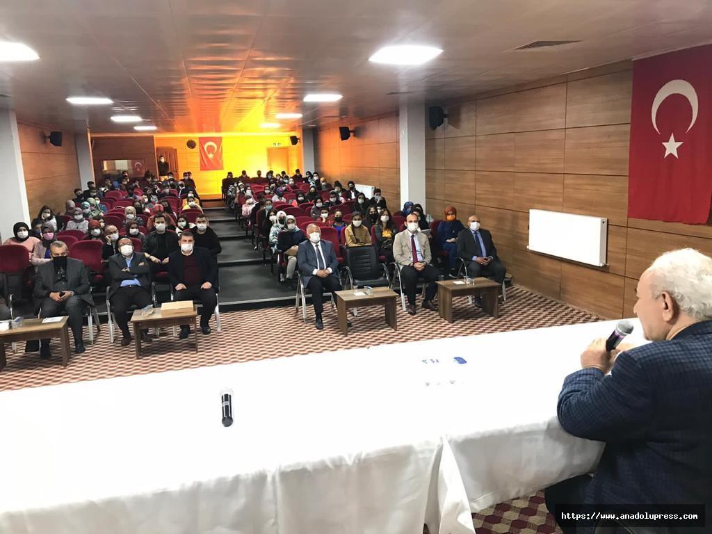 Vehbi Vakkasoğlu'ndan Çağlayanceritli Öğrencilere Sınav Motivasyonu Konferansı