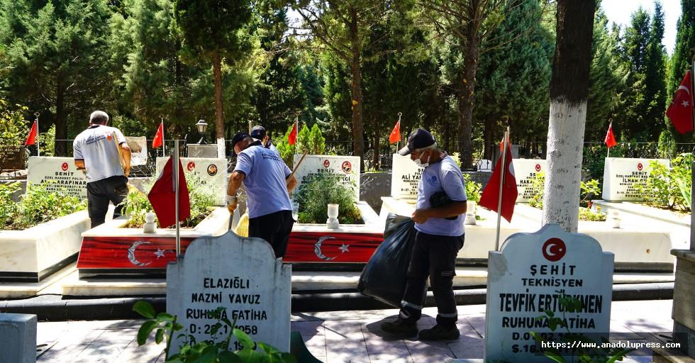 Şehitlik ve Mezarlıklarda Bayram Temizliği