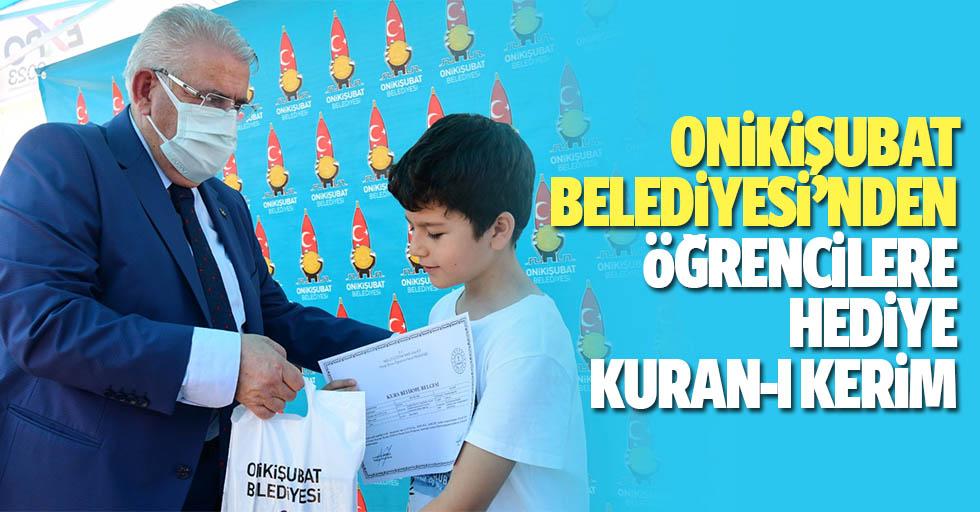 Onikişubat Belediyesi'nden Öğrencilere Hediye Kuran-I Kerim