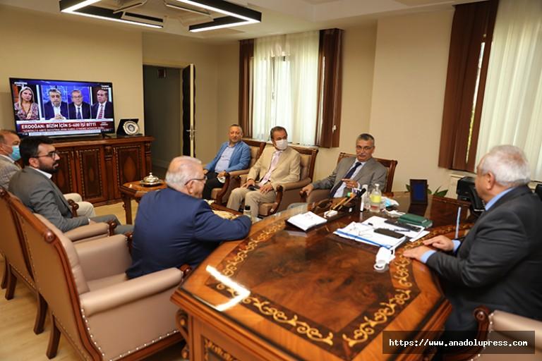 Milletvekili Güvenç ve Kılıç'tan İstiklal Üniversitesine ziyaret