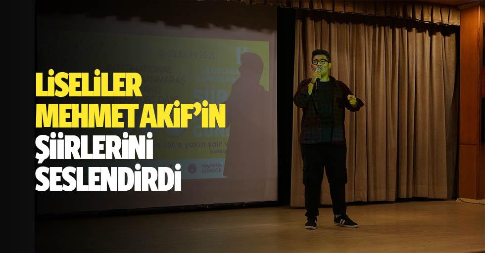 Liseliler Mehmet Akif'in Şiirlerini Seslendirdi