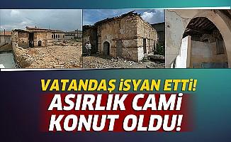 Vatandaş tarihi Cami'nin konuta dönüştürülmesine isyan etti