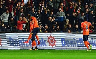 Beşiktaş'a, Medipol Başakşehir şoku!