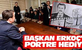 Başkan Erkoç'a Portre Hediye