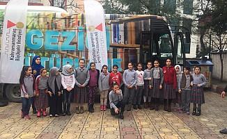 Gezici Kütüphane Osmangazi Ortaokulu'nda