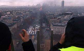 Paris'teki Gösterilerin Faturası Ağır Oldu