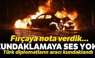 Türk diplomatların aracı kundaklandı