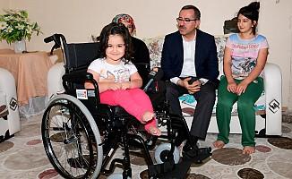 Büyükşehir'den İhtiyaç Sahiplerine Dört Adet Tekerlekli Sandalye