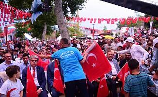 Dulkadiroğlu'ndan 15 Temmuz'da 15 Bin Türk Bayrağı