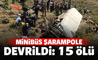 Minibüs şarampole devrildi: 15 ölü