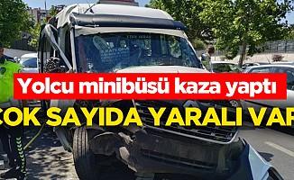 Yolcu minibüsü traktöre çarptı: 16 yaralı