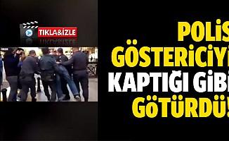 Yolsuzluk protestosunda röportaj veren eylemcinin gözaltına alınma anı, sosyal medyada gündem oldu