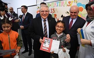Başkan Mahçiçek, Öğrencilerin Karne Heyecanını Paylaştı