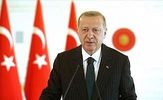 Erdoğan'dan, Macron'a eleştiri