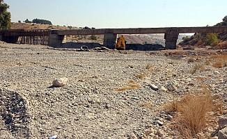Pazarcık'taki köprü yenileniyor