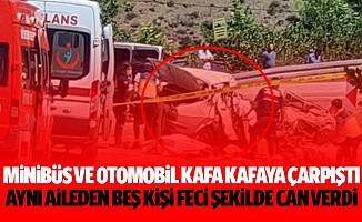 Minibüs Ve Otomobil Kafa Kafaya Çarpıştı, Aynı Aileden 5 Kişi Feci Şekilde Can Verdi