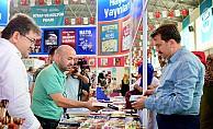 Başkan Erkoç Kitap Fuarında İlgi Odağı Oldu