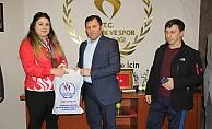 Milli Haltercimiz Melike Günal'dan Üç Bronz Madalya