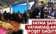 Fatma Şahin vatandaşlara poşet dağıttı!