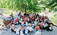 Dernek Gönüllülerinden Çocuklara Hediye