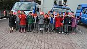 Yaptıkları Türk bayrağı tablosunu jandarmaya hediye ettiler