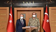 2. Ordu Komutanı Vali Coşkun'u ziyaret etti